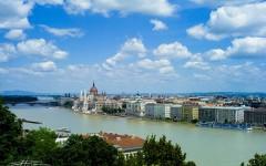 布达在左,佩斯向右,蓝色多瑙河上的璀璨明珠——布达佩斯